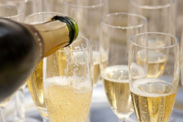 Qual é a Diferença entre Prosecco e Champagne