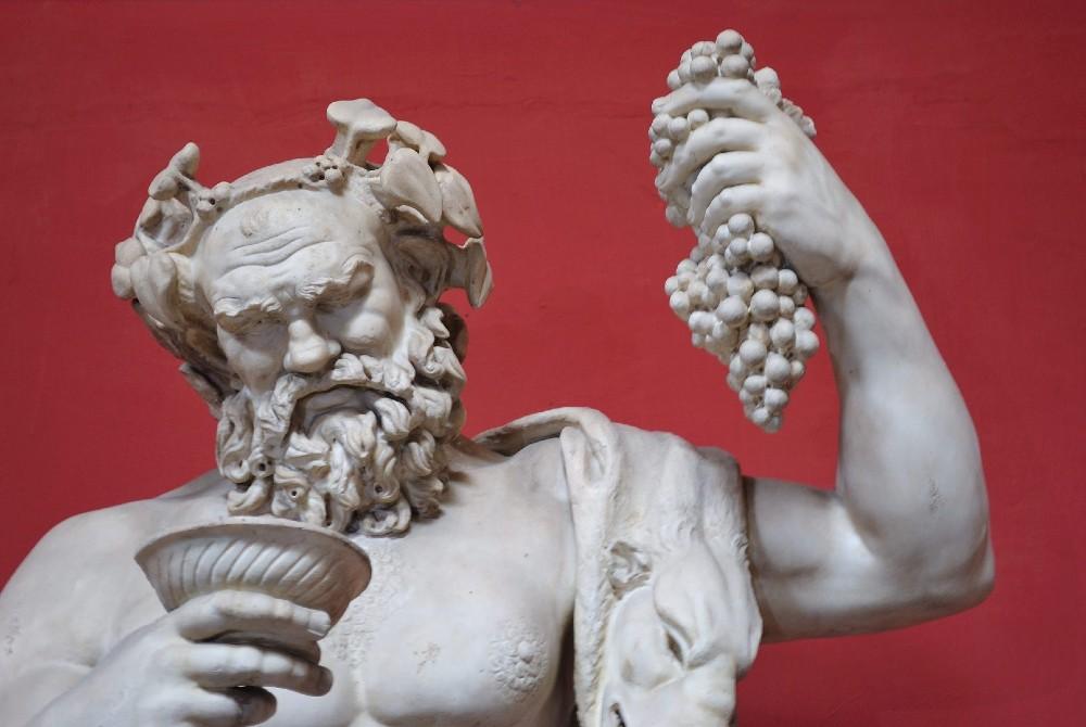 Estátua de Dionísio