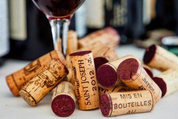 Como é feita a rolha de vinho